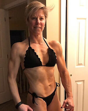 Mature muscle woman pussy pics