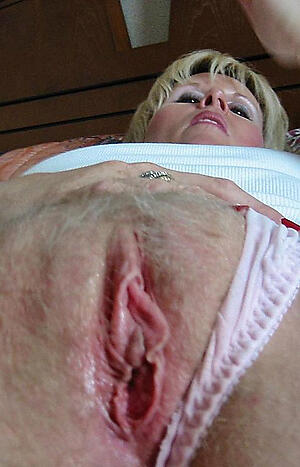 Amateur pics of hot grown-up pussy up close