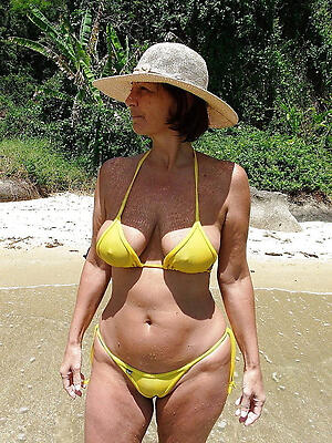 Amateur pics of matured in bikinis