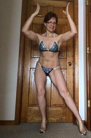 Mature bikini babes slut pics