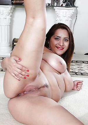 Naughty mature latina soles