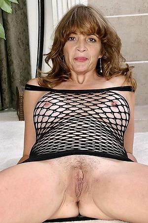 Gorgeous mature women nipples