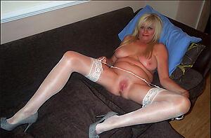 Amateur xxx mature women floosie pics