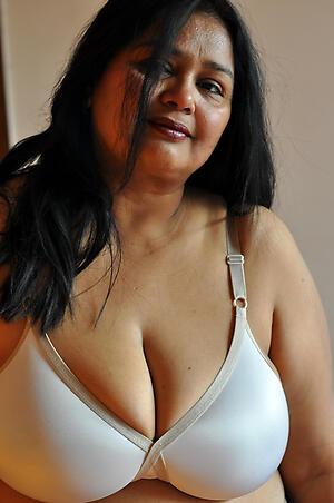 Gorgeous mature indian women pics