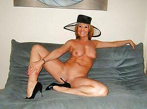 Hot matured ladies undressing