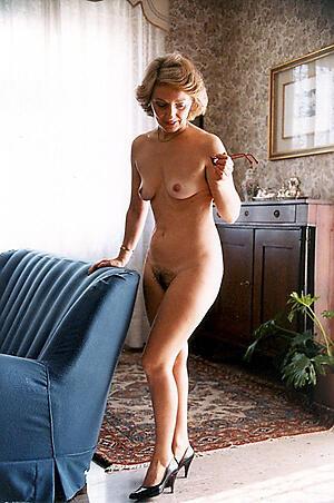 Naked mature ladies pussy pics