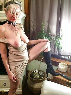 Mature ladies undressing porn pics