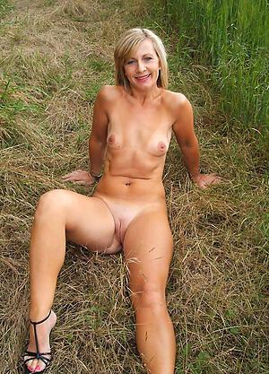 Naughty mature small mamma naked photo