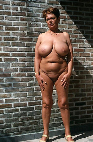 Slutty mature naturals uncover control things