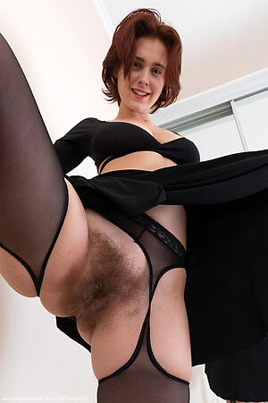 Dilettante hot unshaved mature pussy pussy pics