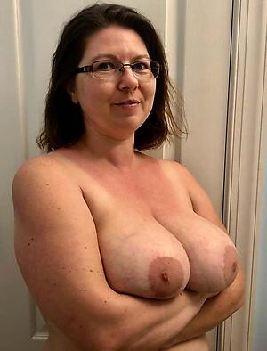 Nude big tit mature body of men pic