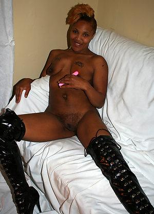 Mature black pussy amateur pics