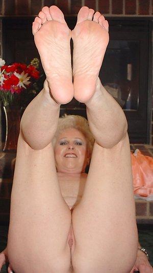 Hot milf sexy feet amateur pics