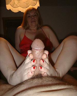 Pretty mature feet photos