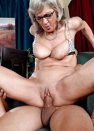 Perfect older women fucking photos