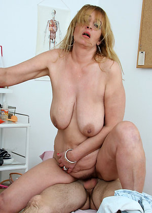 Sweet mature women who like to fuck