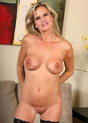 Homemade naked amateur older girlfriend