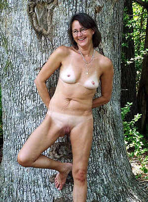 Perfect sexy mature milf with glasses
