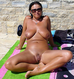 Inexperienced mature naked chicks with glasses