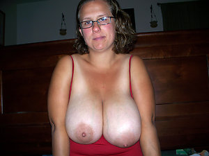 Naked nasty mature sluts with glasses