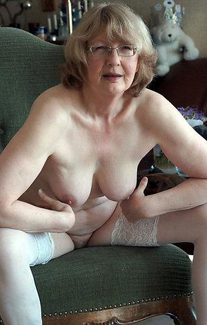 Lovely big tit granny sex pics