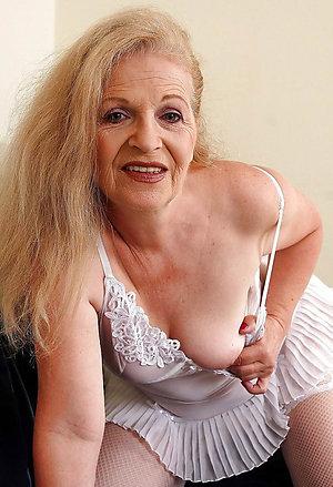 Free mature granny photos
