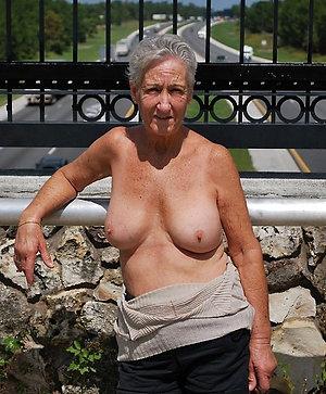 Homemade sexy granny photos