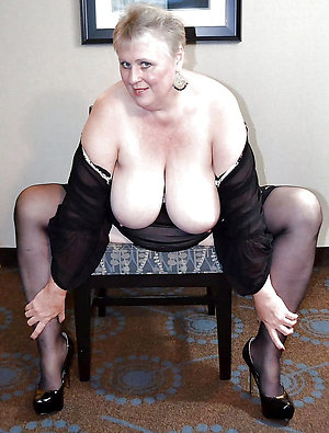 Naked mature granny gallery