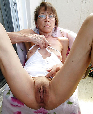 Xxx granny wants to fuck