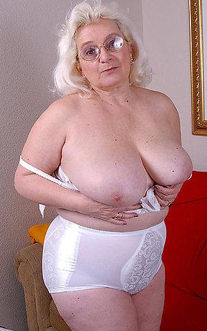 Amateur granny sex free pics