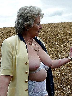 Nude free mature granny porn
