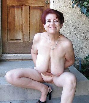 Amazing mature granny pic