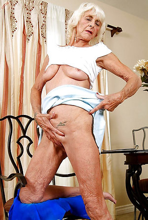Naughty mature nude grannies pics