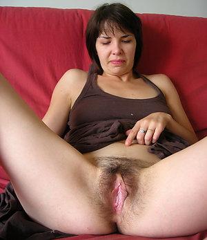 Pretty hairy nude ladies sex photo