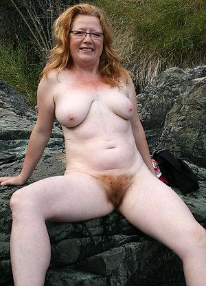 Nude mom hairy pussy pics