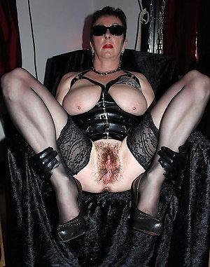 Amazing hairy mature moms sex photos