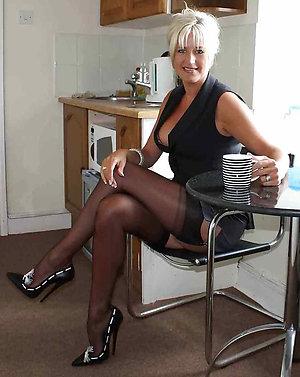 Pretty mature women in high heels pics