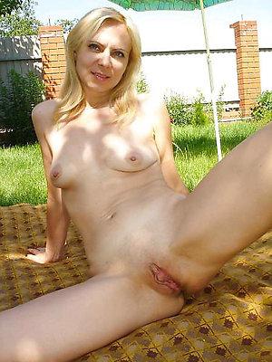 Slutty horny mature women amateur pics