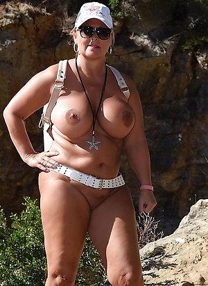 Free amateur mature naked girls