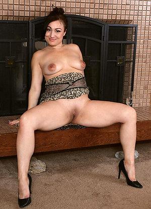 Xxx amateur naked older latina women