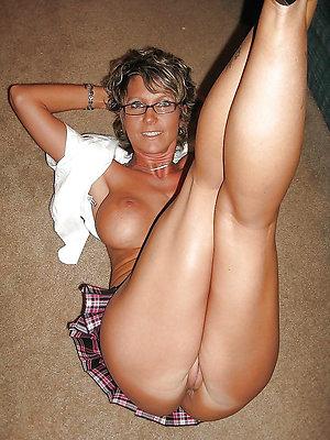Best pics of mature women spreading legs