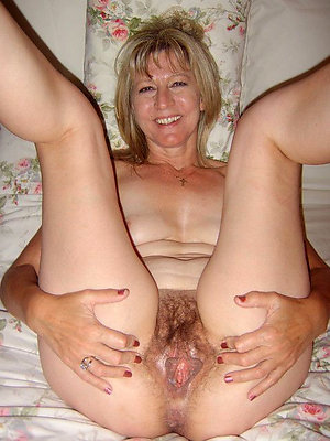 Sexy naked women legs spread porn photo